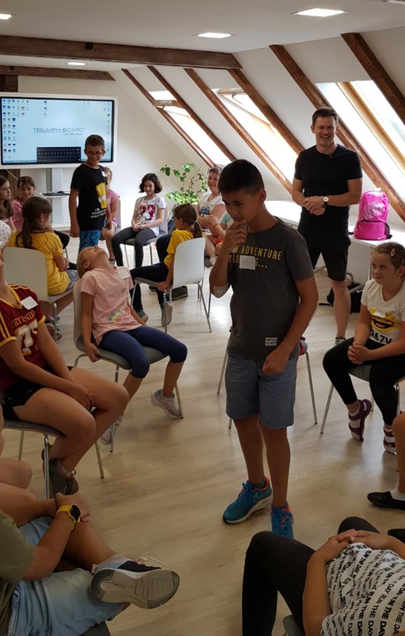 TRI DI ART gyerektábor-1. nap - Színpadi gyakorlatok, beszélgetések
